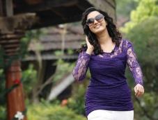 Honey Rose in Malayalam Movie Ring Master Photos