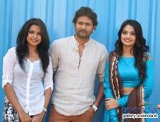 Srinagar Kitty at Geethanjali Kannada Film Launch Photos