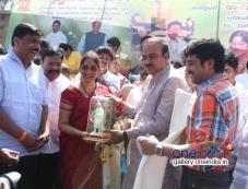 Anirudh, Bharti Vishnvardhan & R Ashok at Dr. Vishnuvardhan Raod Inauguration Photos