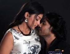 Jeevan and Soundarya Jayamala still from Thuthan Photos