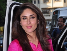 Kareena Kapoor snapped at Mehboob Studio Bandra Photos