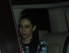 Karisma Kapoor snapped at Mannat on SRK's party Photos