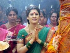Radhika still from Avatharam Movie Photos