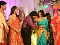 Uma Krishnan at T Rajendar Daughter Ilakiya Wedding Reception Photos