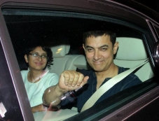 Aamir celebrates his 49th birthday at Imran's residence Photos