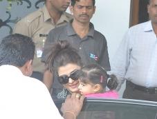 Aishwarya Rai with daughter Aaradhya Bachchan return from Holi celebration Photos
