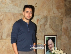 Special screening of film Club 60 - Tribute to Farooq Sheikh Photos