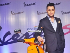 Imran Khan Launched Vespa S Scooter Photos
