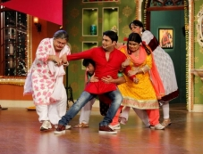 Kapil Sharma celebrates Holi on the sets of Comedy Nights with Kapil Photos