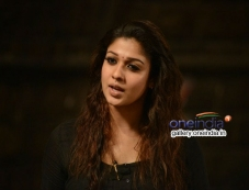 Nayanthara still from Nee Enge En Anbe Movie Photos