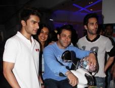 Salman Khan with Sarah Jane, Pulkit Samrat and Bilal Amrohi at O Teri film special screening Photos