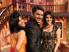 Sunny Leone and Ekta Kapoor with Kapil Sharma on the sets of Comedy Nights With Kapil Photos