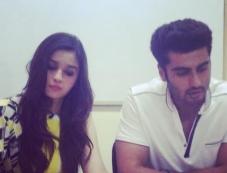 Arjun Kapoor & Alia Bhatt during the promotion of 2 States in Kolkata Photos