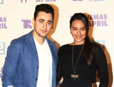 Imran Khan and Sonakshi Sinha at Rio 2 film trailer launch Photos