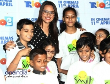 Sonakshi Sinha hosted special screening of Rio 2 for Smile NGO Kids Photos