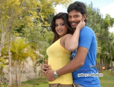 Sujith and Disha Poovaiah in Kannada Movie Malli Photos