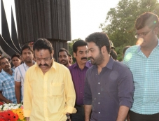 Harikrishna and Jr. NTR at NTR family members pays tributes at NTR Ghat Photos Photos