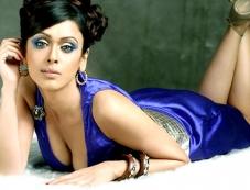 Hrishitaa Bhatt Photos
