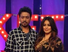 Irfan Khan, Hema Choudhary on the sets of NDTV Ticket to Bollywood Photos