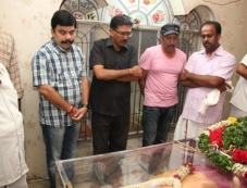 Celebs pay last respects to director Rama Narayanan Photos