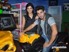 Deeksha Seth, Armaan Jain at Lekar Hum Deewana Dil Movie promotes at Splash Photos