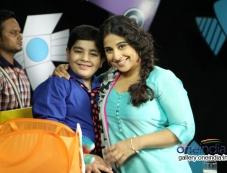 Vidya Balan on the sets of Disney's Talk Show Captain Tiao Photos