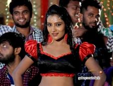 Mamatha Rahuth in Kannada Movie Goolihatti Photos