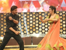 Shahrukh Khan Dance with DD Photos