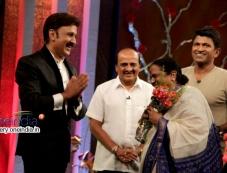 Ramesh Aravind, Puneeth Rajkumar, Parvathamma Rajkumar Photos