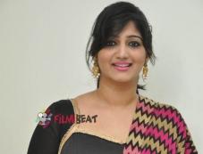 Divya (Singer) Photos