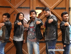 Nayana, Vinay Rajkumar in Siddhartha Photos