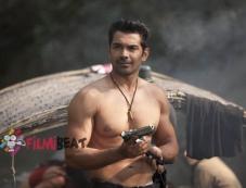 Abhinav Shukla in Roar Photos