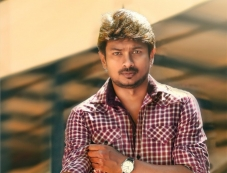 Udhayanidhi Stalin still from Nanbenda Movie Photos
