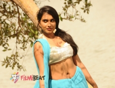 Sanjana Prakash in Chilre Shoki Photos
