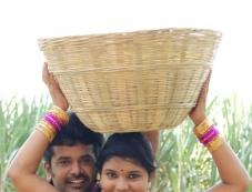 Vella Kaka Manja Kuruvi Photos