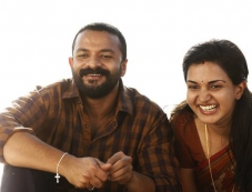 Jayasurya And Honey Rose Photos