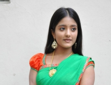 Ulka Gupta Photos