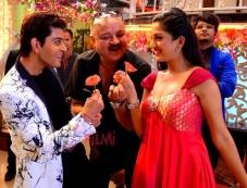 Vije Bhatia, Aroon Bakshi & Krutika Gaekwad Photos