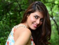 Aarti Chhikara Photos