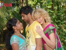 Kavya , Farook &Tanya in 141 (I Love U) Photos