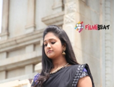 Vaishali Deepak in Hadi Bedi Love Story Photos