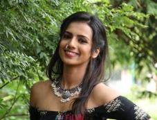 Sruthi Hariharan Photos