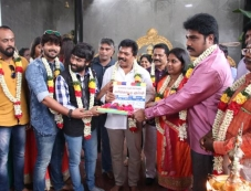 karikattu kuppam Pooja Stills Photos