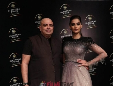 Sonam Kapoor Walks The Ramp At Blenders Pride Fashion Tour 2017 Photos