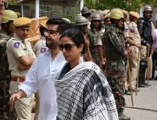 Saif Ali khan, Tabbu, Neelam, Sonali At Jodhpur Court For Hearing Of Black Buck Pouching Case Photos Photos