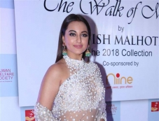 Sonakshi Sinha at Mijwan Fashion Show Photos