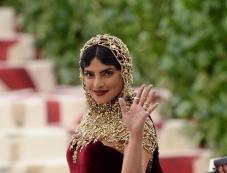 Priyanka Chopra Looks Beautiful At Met Gala 2018 Photos