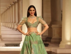 Kiara Advani Walking Ramp For Designer Shyamal And Bhumika At ICW 2018 Photos Photos