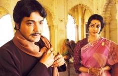 Prasenjit Chatterjeet And Raima Sen