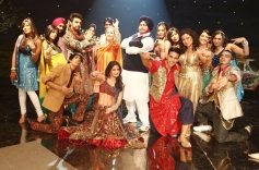 Akshay Kumar, Anushka Sharma, Rishi Kapoor, Dimple Kapadia and Others